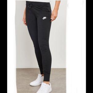 Nike women's fleece pants large